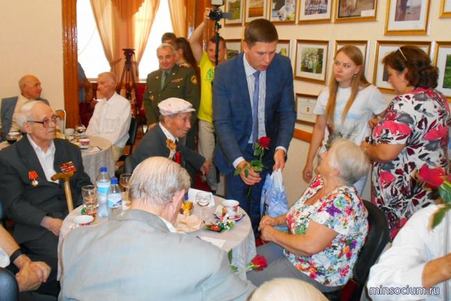 В областном доме ветеранов чествовали участников Курской битвы
